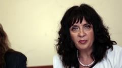 Българският учител – жена на 47 години, с 22 години стаж