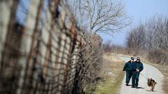 Още 64 души задържани на границата