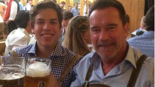 Арнолд Шварценегер отпразнува рождения ден на извънбрачния си син