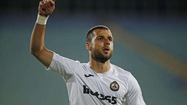 Славия търси отбор в чужбина на Ивайло Димитров