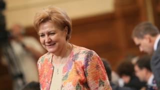Менда Стоянова се надява президентът да я подкрепи за застраховките ГО