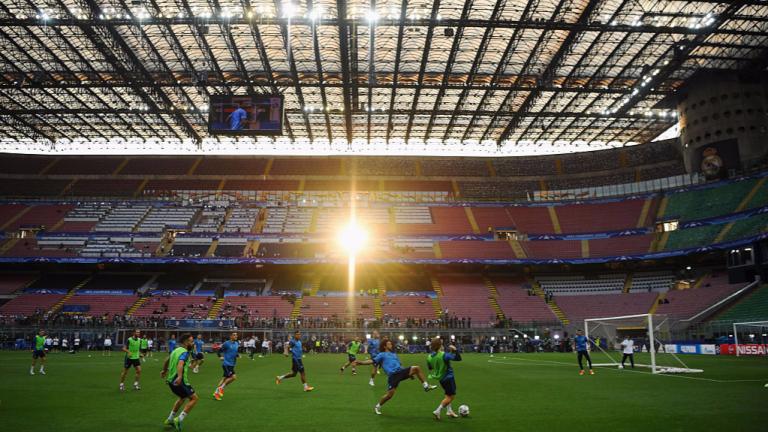 """Интер и Милан искат """"Сан Сиро"""" за... 99 години"""