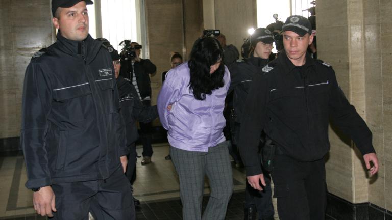 Адвокатът на акушерката Ковачева скочи на прокурор