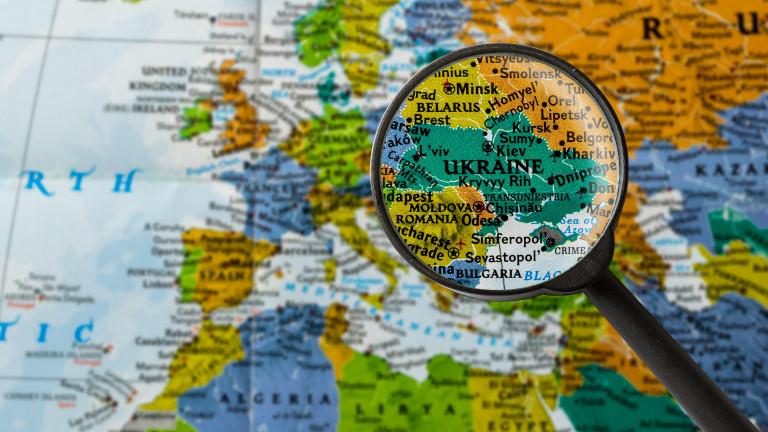 Киев разкри причината за поголовното бягство на украинци от страната