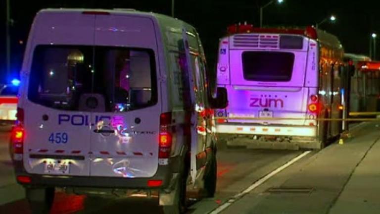 Четирима са ранени при нападение в автобус в Канада