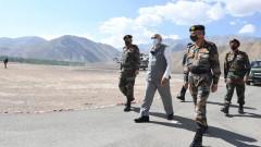 Премиерът на Индия надъхва армията си на границата с Китай