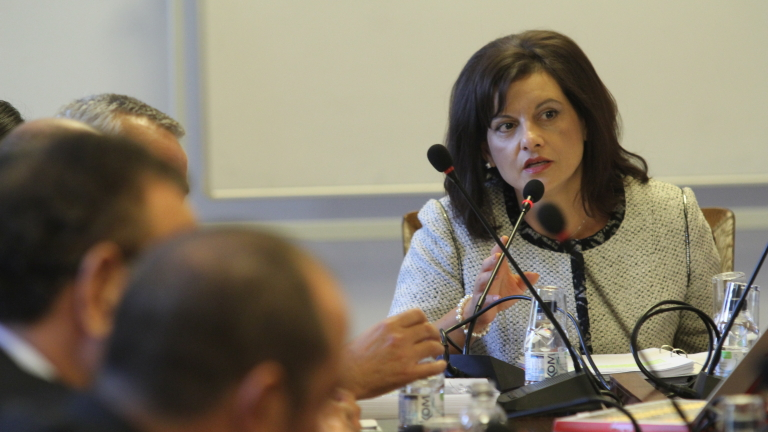 Увеличените пари за здраве в Бюджет 2019 гарантират достъп, уверява Дариткова