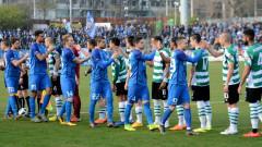 Черно море с 19 футболисти за Левски