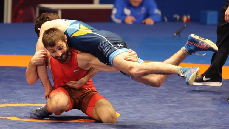 Стефан Иванов и Михаил Георгиев отпаднаха от Европейското първенство по борба