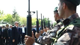 Турските власти освободиха близо 1000 войници