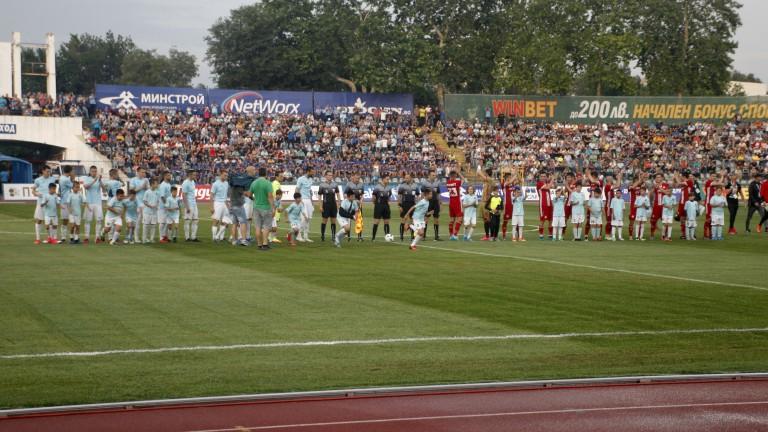 Увеличават капацитета на стадиона на Дунав