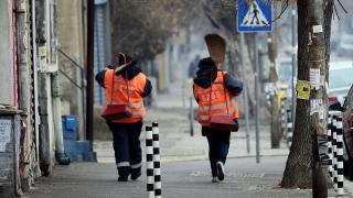 Бедността и бюрокрацията са основните ни проблеми, според проучване