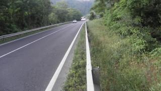 Откриха блъснат човек, изоставен на пътя край Благоевград