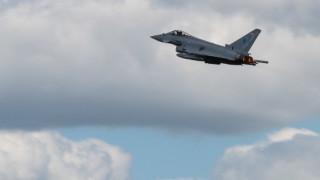 ВВС и ВМС на Великобритания тестват отбраната на Русия