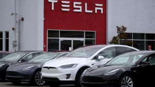 Tesla затваря първия си европейски завод