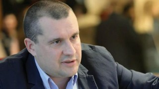 Калоян Методиев: Резолюцията на ЕП беше добра за Борисов и лоша за България