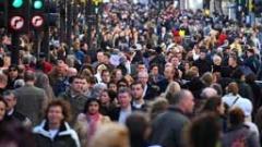 """Британците """"смучат"""", а имигрантите допринасят в UK според проучване"""