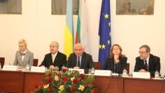 Да противодействаме на хибридната война, настоя украинският посланик