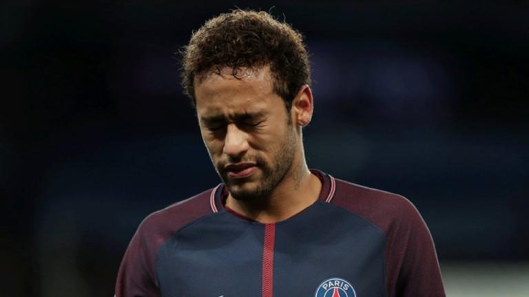 Неймар остана извън групата на ПСЖ за мача със Сент Етиен
