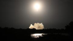 Корабът на SpaceX се закачи за Международната космическа станция
