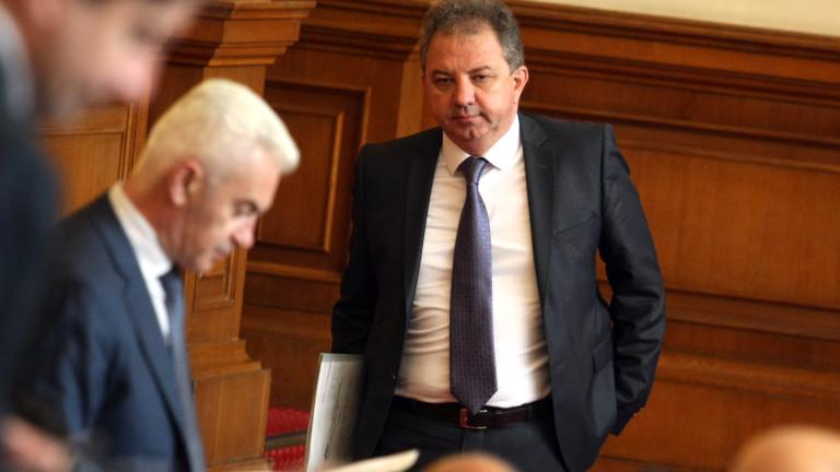 Патриотите в защита на зам.-транспортния министър Ангел Попов