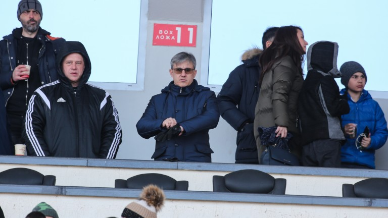 Снимка: Колев: Никакви условия не съм поставял на Русев, Левски почти беше фалирал