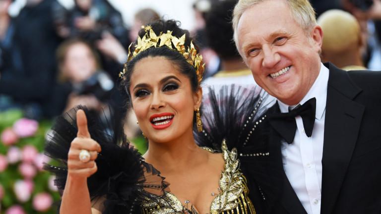 Омъжила ли се е Салма Хайек само заради пари