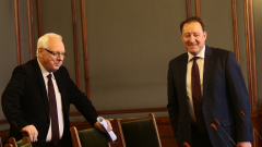 Изказване на Велизар Енчев затворило вратите на военната комисия