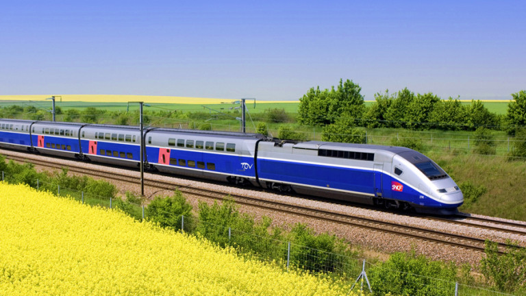 Френският железопътен оператор SNCF има 15 месеца да оправи отношенията