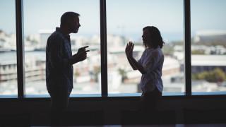 Трябва да проведете труден разговор с колега или шеф? Ето как да подходите