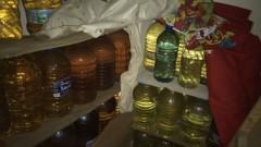 Митничари задържаха 2700 л нелегален алкохол при три акции