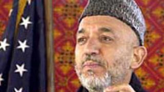 """Карзай """"натиска"""" талибаните да свалят оръжието"""