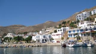 Превръщат почти изоставен гръцки остров в хъб за зелена енергия