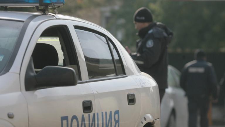 Полиция и кучета пазят Пазарджишката болница от 300 цигани