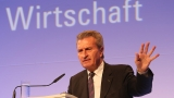 Еврокомисарят Йотингер се извини на китайците и на валонците