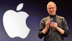 Стив Джобс напуска поста си в Apple
