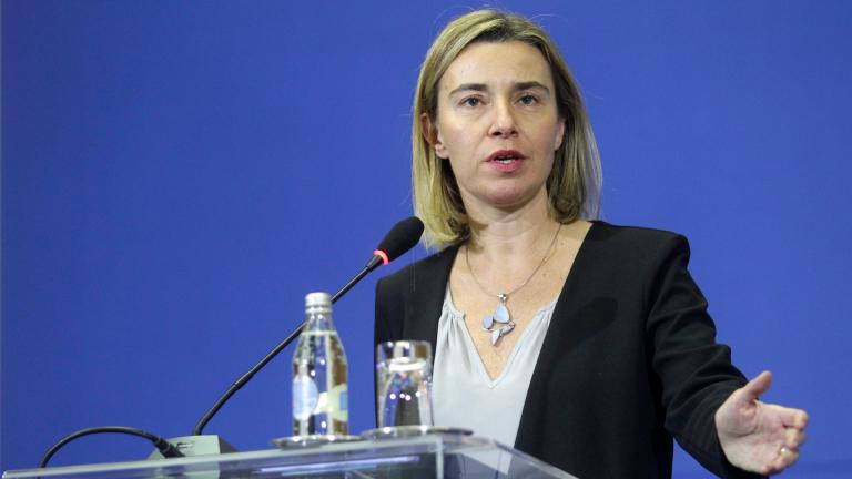 Военните министри на ЕС поеха ангажименти за обща отбрана, но без решения