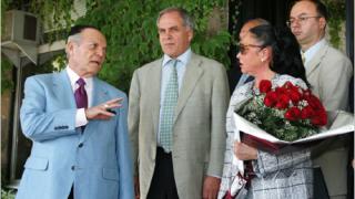 Президентът на ФИВБ пристигна в България