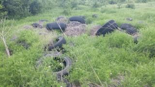 Половин година издирват собственика на незаконно депо за гуми край Бургас