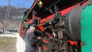 Намалени са закъсненията на БДЖ, отчете транспортният министър
