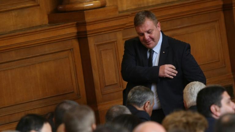 И без хапчета ще съмне в парламента, уверен Каракачанов