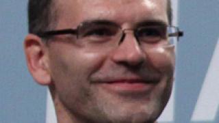 Дянков радостен: Отлепваме се от дъното