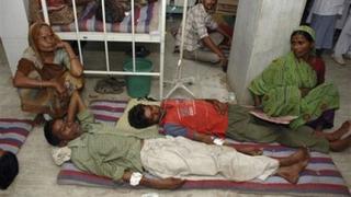 69 трупа след употреба на домашен алкохол в Индия