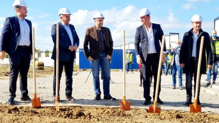 Край София започва строежът на поредния жилищен комплекс. На 90
