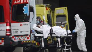Близо 4 000 здравни работници в Испания заразени с новия коронавирус