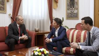 Обща индустрия, отбрана на ЕС и евроизтребител обсъждат Радев и Airbus Defense