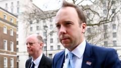 Здравният министър на Великобритания призова футболистите във Висшата лига да намалят заплатите си