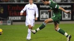 Волфсбург грабна трите точки след зрелищно 4:3 с Шалке