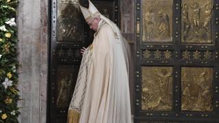 Папа Франциск сравни бежанските лагери с концентрационни
