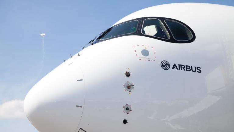 Иран купува от Airbus 100 самолета. Но A380 не е сред тях